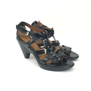 Sofft black strappy heeled sandals size 6M